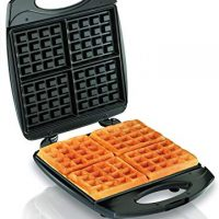 4-Slice Belgian Waffle Maker